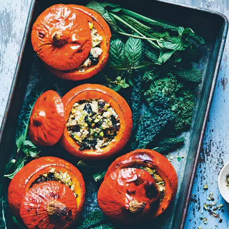 Simpele gevulde pompoen uit de oven recept Food and Friends