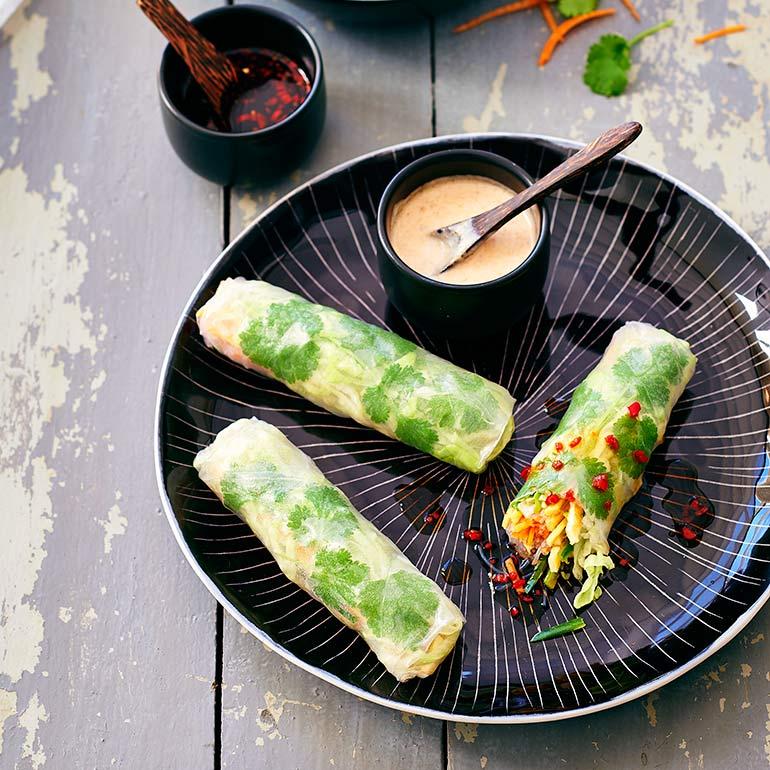 Vietnamese summer rolls met dressing