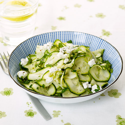 Courgettesalade met citroen & ricotta