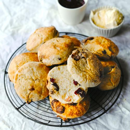 Sinaasappel-cranberry scones
