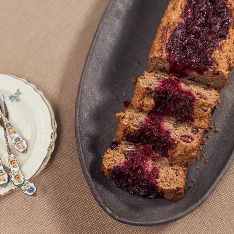 Kruidige vegan cranberrycake