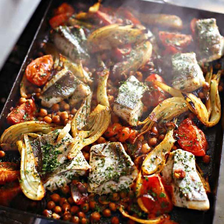 Vis met venkel, kikkererwten & tomaat